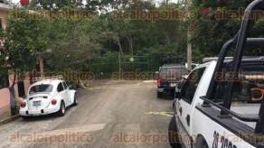 Xalapa, Ver., 17 de octubre de 2017.- Elementos de la Policía Estatal y personal de Servicios Periciales atendieron el homicidio de dos personas en la colonia Álvaro Obregón.