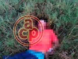 Tuxpan, Ver., 18 de octubre de 2017.- La mañana de este miércoles se registró una intensa movilización policiaca luego del hallazgo de 5 cuerpos en un camino de terracería que conduce a la localidad de Zapotalillo, en este municipio.