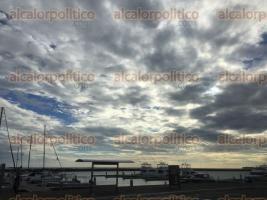 Veracruz, Ver., 18 de octubre de 2017.- Tras el paso del frente frío número cinco, el cielo se despejó dejando un hermoso espectáculo visual para los veracruzanos.