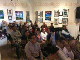 """Xalapa, Ver., 18 de octubre de 2017.- En el Centro Recreativo Xalapeño efectuaron los """"Diálogos ciudadanos; para que Xalapa vuelva a florecer"""", con la presencia y participación del alcalde electo, Hipólito Rodríguez."""