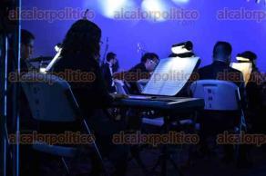 """Xalapa, Ver., 16 de noviembre de 2017.- En punto de las 20:00 horas de este jueves, la Orquesta Municipal de Xalapa ofreció el concierto """"Sin Fronteras"""", bajo la dirección de José Pérez Sánchez, en el auditorio del IMAC."""
