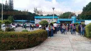 Minatitlán, Ver., 17 de noviembre de 2017.- Una amenaza de bomba en el Instituto Tecnológico de Minatitlán (ITM) provocó el desalojo de alumnos, docentes y personal administrativo, además de la movilización de cuerpos de emergencia.