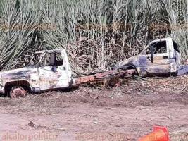 Cuichapa, Ver., 17 de noviembre de 2017.- Así quedaron las unidades que se incendiaron en este municipio por explosión en ducto.