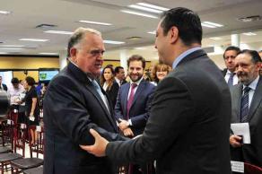 Xalapa, Ver., 17 de noviembre de 2017.- El alcalde Américo Zúñiga Martínez acudió al Primer Informe de Labores del presidente del Tribunal Superior de Justicia, Edel Álvarez Peña.