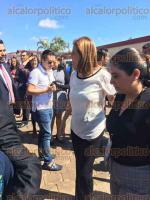 Xalapa, Ver., 18 de noviembre de 2017.- La aspirante a candidata independiente a la presidencia de la República, Margarita Zavala, acudió como invitada especial al Congreso Internacional de Estudios Sobre Género, organizado por la UX.