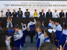 Xalapa, Ver., 20 de noviembre de 2017.- Desfile conmemorativo del 107 Aniversario de la Revolución Mexicana. Acudieron el gobernador Miguel Ángel Yunes Linares y parte de su gabinete.