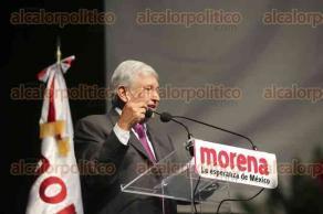 Ciudad de México, 20 de noviembre de 2017.- Andrés Manuel López Obrador, presidente nacional de MORENA, durante su participación en el IV Congreso Extraordinario de MORENA en el Auditorio Nacional.