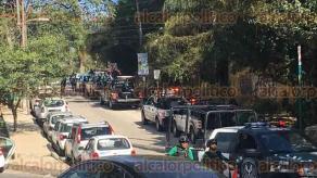 Xalapa, Ver., 23 de noviembre de 2017.- Arribó grupo antimotines de la Secretaría de Seguridad Pública a inmediaciones de la SEV, para intervenir en la manifestación realizada frente a la SEGOB en Lázaro Cárdenas.