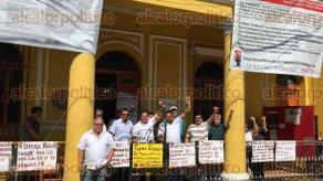 Veracruz, Ver., 23 de noviembre de 2017.- Continúa la protesta de brazos caídos que realizan trabajadores sindicalizados del Instituto Nacional de Antropología e Historia (INAH) a nivel estatal y nacional.