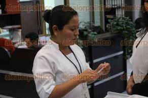 Xalapa, Ver., 23 de noviembre de 2017.- Instalan módulo de vacunación contra tétanos, neumococo e influenza, para empleados, en el Congreso Estatal.