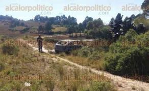 Villa Aldama, Ver., 23 de noviembre de 2017.- Localizan vehículo quemado a un costado de la carretera Xalapa-Perote, a la altura de la comunidad Cruz Blanca. Elementos de la Policía Federal División Caminos tomaron conocimiento de los hechos.