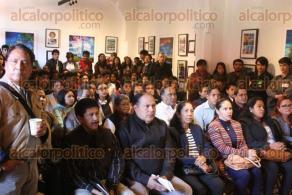 Xalapa, Ver., 24 de noviembre de 2017.- En el Centro Recreativo Xalapeño fue el foro #Expresión Juvenil Xalapa; los jóvenes hablaron de sus inquietudes y propuestas al alcalde electo, Hipólito Rodríguez.