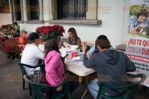 Xalapa, Ver., 24 de noviembre de 2017.- Realizan pruebas rápidas para la detección del IVH en los bajos del Palacio municipal de esta capital.