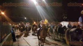 Coatzacoalcos, Ver., 11 de diciembre de 2017.- Como es tradición, este lunes se llevó a cabo la cabalgata en honor a la Virgen de Guadalupe desde Rabón Grande y Villa Allende hasta el Santuario de Guadalupe.