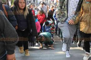 Ciudad de México, 12 de diciembre de 2017.- Millones de feligreses visitan la Basílica de Guadalupe a 486 años de su aparición ante el indígena Juan Diego, en el cerro del Tepeyac. La muestra de fe y agradecimiento de mexicanos y extranjeros es reconocida por la Iglesia Católica.