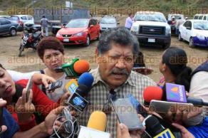 Veracruz, Ver., 13 de diciembre de 2017.- Fue presentado el proyecto de la construcción del nuevo relleno sanitario. Al evento asistieron el alcalde en funciones, el electo y el dirigente del Sindicato de Limpia Pública.