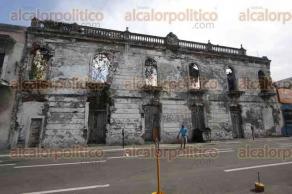 Veracruz, Ver., 13 de diciembre de 2017.- Lo harán con los lineamientos del INAH, pues pretenden mejorar la imagen del primer cuadro de la ciudad.