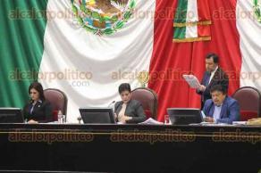 Xalapa, Ver., 14 de diciembre de 2017.- En el Recinto Legislativo fue la séptima Sesión Ordinaria del segundo año de Ejercicio Constitucional, donde se trataron 35 puntos de la orden del día.