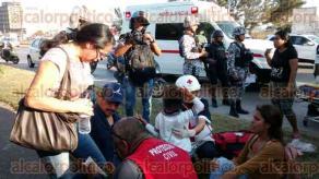 Veracruz, Ver., 14 de diciembre de 2017.- Elementos de la Policía Naval, Estatal, personal de Tránsito y paramédicos atendieron el choque de dos camiones urbanos en la avenida Fidel Velázquez, la tarde de este jueves.
