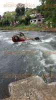 Santiago Tuxtla, Ver., 17 de diciembre.- La mañana de este domingo un hombre perdió la vida, luego que cayera su auto al río Tepango cuando se desplazaba sobre un reducido puente.