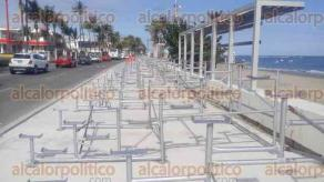 Veracruz, Ver., 15 de enero de 2018.- Empiezan a colocar gradas a lo largo del bulevar Ávila Camacho, desde donde los veracruzanos y turistas podrán disfrutar del Carnaval que tendrá lugar del 7 al 13 de febrero.