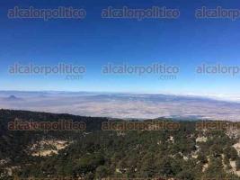 Perote, Ver., 15 de enero de 2018.- Hermosa vista regala la naturaleza desde la peña del Cofre de Perote, este lunes.