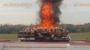 Veracruz, Ver., 16 de enero de 2018.- Fueron incinerados más de 400 kilos de cocaína en la Base Aeronaval de Las Bajadas. La droga fue incautada el 27 de diciembre por fuerzas federales, en el Puerto de Veracruz.