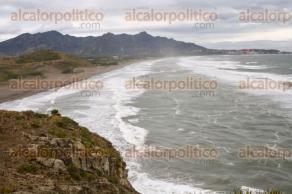 """Actopan, Ver., 17 de enero de 2018.- Así se vivió el """"Norte"""" provocado por la entrada del Frente Frío 23, en la playa de Villa Rica. Provocando un fuerte oleaje."""