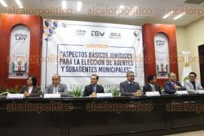 Xalapa, Ver., 17 de enero de 2018.- Capacitan a ayuntamientos sobre aspectos básicos jurídicos para la elección de agentes y subagentes municipales, en el Congreso del Estado.