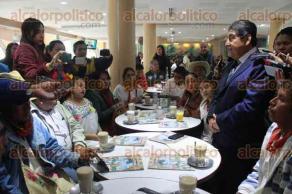 Xalapa, Ver., 18 de enero de 2018.- El diputado Manuel Francisco Martínez, en conferencia de prensa presentó a los 14 integrantes del Consejo Consultivo Indígena del Estado de Veracruz.