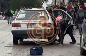 Pánuco, Ver., 18 de enero de 2018.- Elementos de seguridad se movilizaron por la ejecución de un taxista la tarde de este jueves, en la colonia Independencia, a la altura del libramiento.