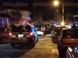 Xalapa, Ver., 20 de enero de 2018.- Los empleados de la Fiscalía en la camioneta blanca, se identificaron del crimen organizado para amedrentar a los de Tránsito.
