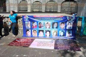 Xalapa, Ver., 21 de enero 2018.- En el paseo de Los Lagos, el Colectivo de Familiares Enlace Xalapa recaudarán fondos para construir un memorial para personas desaparecidas; se colocaría en la avenida Xalapa.