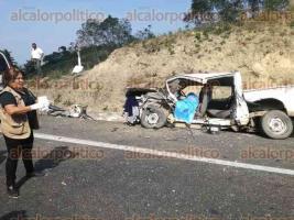 Tihuatlán, Ver., 21 de enero de 2018.- Alrededor de las 13:00 horas la Policía Federal reportó un percance que involucró a dos vehículos, en el kilómetro 190 de la carretera Poza Rica-Veracruz, tramo Tihuatlán-El Palmar.
