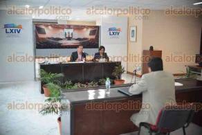 Xalapa, Ver., 23 de enero de 2018.- Diputados integrantes de la Comisión de Derechos Humanos también entrevistan a los aspirantes a ocupar el cargo a Titular del Órgano Interno de Control de la Comisión Estatal de Derechos Humanos.