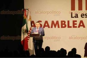 Ciudad de México, 18 de febrero de 2018.- En Asamblea Nacional Electiva de MORENA, Andrés Manuel López Obrador, rindió protesta como candidato a la presidencia para la elección del 1 de julio.