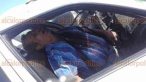 Alvarado, Ver., 18 de febrero de 2018.- En la carretera hacia Boca del Río, a la altura de la entrada a la comunidad de La Guada, un taxista murió tras ser impactado por otro vehículo. El cadáver del chofer quedó prensado. Al sitio acudieron policías, elementos de Marina y paramédicos.