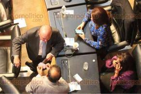 Ciudad de México, 20 de febrero de 2018.- Nuevamente, en el pleno del Senado se registró gran ausencia de los legisladores y los pocos asistentes realizaron algunas actividades en sus celulares.