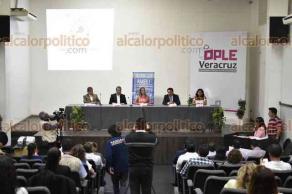 """Xalapa, Ver., 21 de febrero de 2018.- Conversatorio """"Lenguas Indígenas de Veracruz"""", en el auditorio """"Leonardo Pasquel"""", del OPLE."""