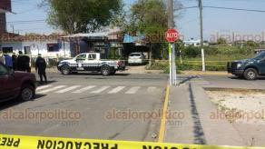 Córdoba, Ver., 25 de febrero de 2018.- Un lavador de autos fue ejecutado por dos sujetos, quienes después de cumplir con su objetivo, huyeron del lugar.
