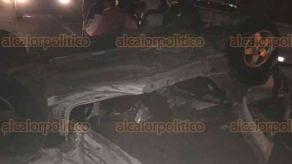 Medellín de Bravo, Ver., 16 de marzo de 2018.- En la carretera estatal Veracruz-Medellín, a la altura de las Bodegas antes de llegar al CRIVER, hubo una aparatosa volcadura de un carro compacto dejando dos personas lesionadas.
