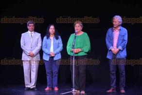 Xalapa, Ver., 17 de marzo de 2018.- Homenaje a Juan Jesús Herrera Cisneros, pionero en la producción cultural de Xalapa y la región, en el Teatro que lleva su nombre; asiste el alcalde Hipólito Rodríguez.