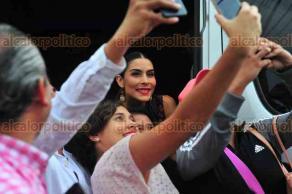 Banderilla, Ver., 20 de marzo de 2018.- El alcalde Juan Manuel Rivera informó los detalles de la Expo Feria Banderilla 2018, estuvo acompañado por el alcalde de Coatepec, Enrique Fernández y la cantante María León.