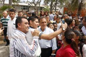 Boca del Río, Ver., 23 de marzo de 2018.- El gobernador Miguel Ángel Yunes Linares, inauguró la mañana de este viernes, los trabajos de reconstrucción de la avenida Urano.