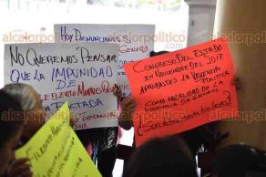 Xalapa, Ver., 19 de abril de 2018.- La síndica María Guadalupe Núñez Álvarez, del municipio de Ayahualulco, denunció que sufre de violencia verbal y acoso laboral por parte del alcalde de dicho municipio, Filiberto Morales Rosas.