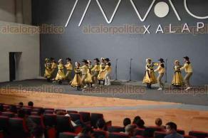 Xalapa, Ver., 22 de abril de 2018.- Maratón de danza adulta y juvenil en el auditorio del IMAC; participan grupos estatales y regionales.