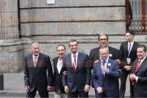 Ciudad de México, 22 de abril de 2018.- Los candidatos a la Presidencia, acompañados de sus respectivos equipos, además de dirigentes de partidos, otros candidatos y figuras políticas llegaron al Palacio de Minería, donde será el primer debate presidencial.