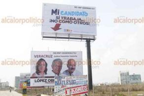 Boca del Río, Ver., 23 de abril de 2018.- Espectaculares fueron colocados sobre el bulevar Ávila Camacho, en ellos la coalición
