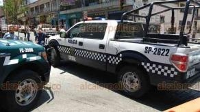 Xalapa, Ver., 25 de abril de 2018.- Grupos antimotines cerraron la calle Leandro Valle, por la manifestación de la FNERRR.