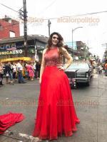 """Córdoba, Ver., 20 de mayo de 2018.- Los colores del arcoíris pintaron las calles de Córdoba debido a la """"Marcha por el Orgullo Gay"""", en la que participantes lucieron desde elegantes vestidos, hasta atuendos prehispánicos y de luchadores. Fueron miles los espectadores que se dieron cita."""